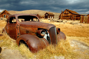 rusty car at bodie