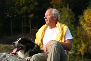 senior mit hund