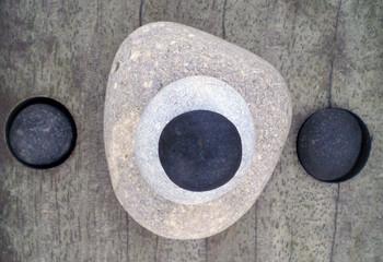 trois pierres 3