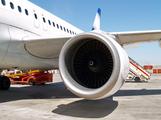 turbina del motor de un avion