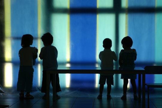 silouette di bambini