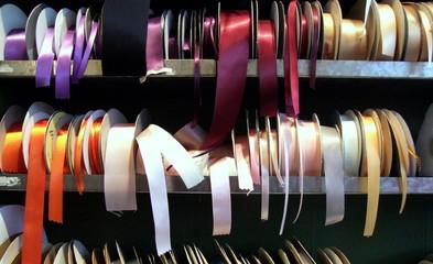 loose ribbons