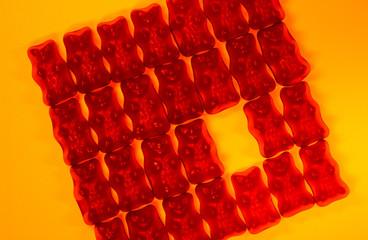 rote armee auf gelbem boden