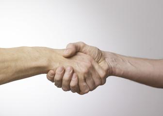 serrements de mains
