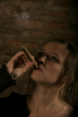 zigarre und frau