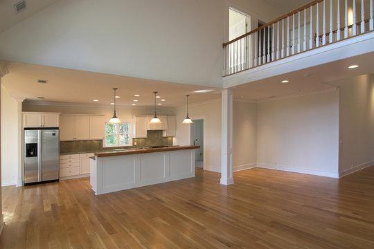 open floorplan livingroom and kitchen