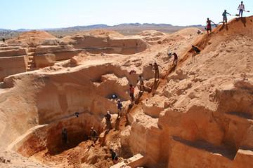 les forçats des mines de saphir