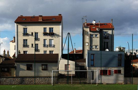 banlieue parisienne  stade de foot architecture