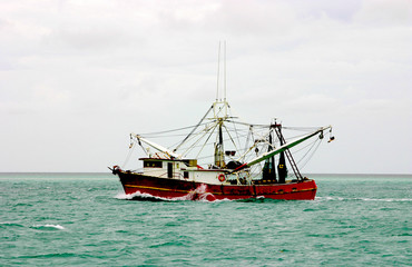 shrimp boat in action
