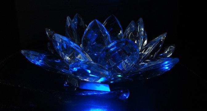 blue shining cristal lotus