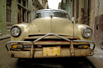 Garden Poster Cars from Cuba picture of a havana scenario, cuba.