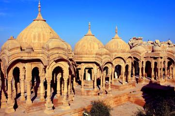 Keuken foto achterwand India india, rajasthan, jaisalmer: cenotaphs