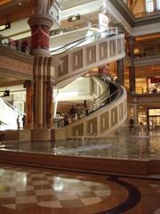spiral escalator in forum shops