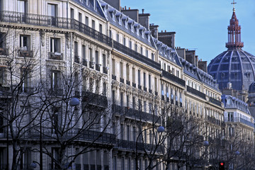 elegant parisian neighborhood