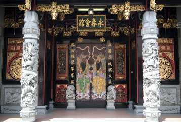 Fototapete - chinese clan house entrance