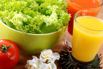 fresh juice and vegetables