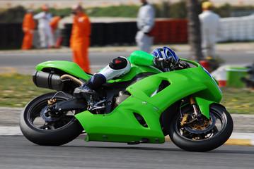 moto sur circuit