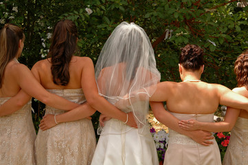 wedding bride with bridesmaids