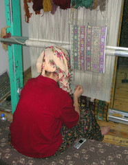 fabricando alfombras