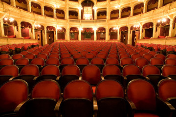 Stores à enrouleur Opera, Theatre inside an old theater