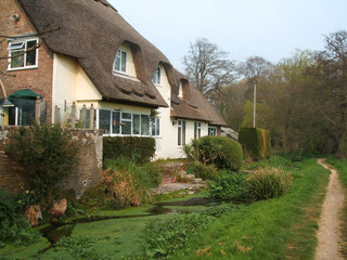 three bears thatched cottage