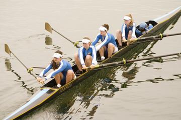 women's rowing team 1