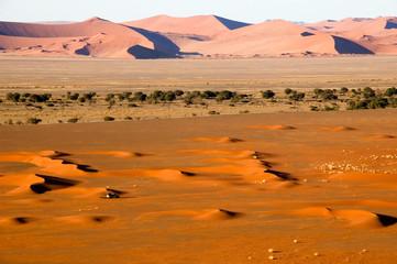 landrover in namib desert dunes