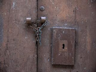 porta con catena