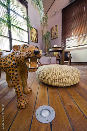 salon int rieur appartement loft style africain photo libre de droits sur la banque d 39 images. Black Bedroom Furniture Sets. Home Design Ideas