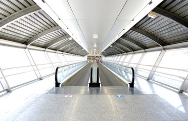 Poster Aeroport tunnel in airport with mechanical passage