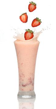strawberry smoothie with splash