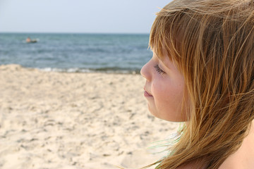 mädchen am strand 2