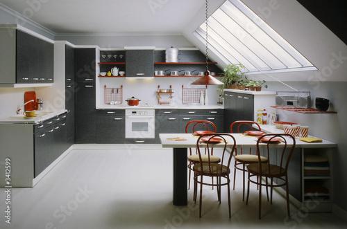 Cuisine entiere dans les combles immagini e fotografie for Cuisine entiere