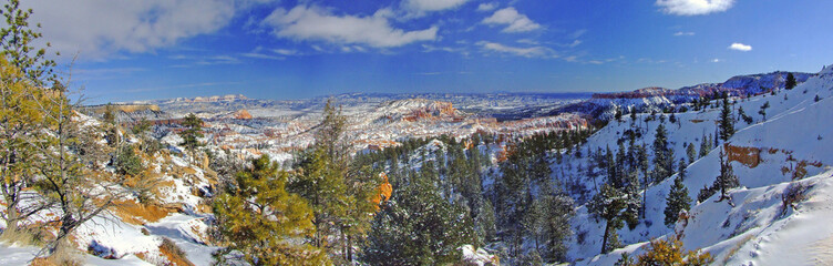 panoramic view of bryce canyon with snow