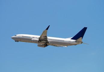 passenger jet deparing