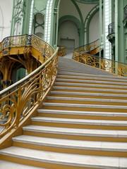 escalier et rampe ouvragée, grand palais, paris