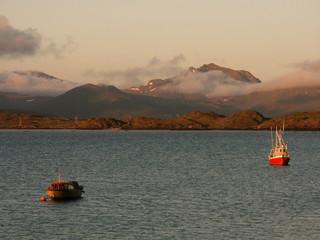 boats at midnight sun
