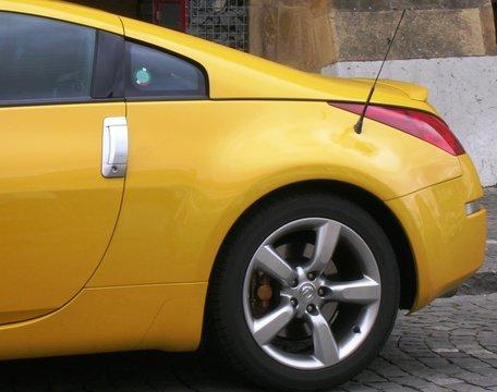 Coupé Sport jaune d'or