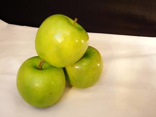 Granny Smith Green Apples 1