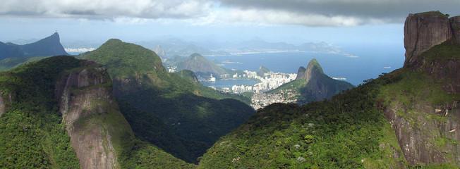 Rio between mountains