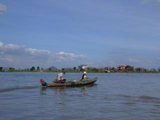 Navigation sur le fleuve Tonle