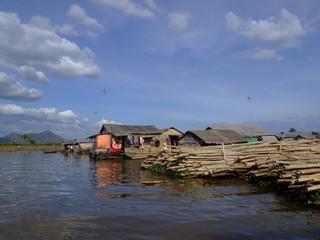 Village lacustre