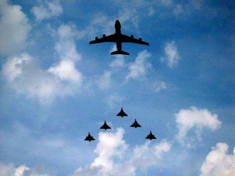defile aerien du 14 juillet 2007 en France