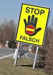 Verkehrsschild an einer Autobahn in Österreich