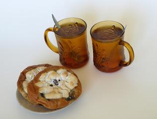 Kolatschen mit Tee