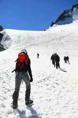 Alpinistes en cordee