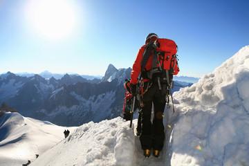 Alpinistes sur le massif du Mont blanc