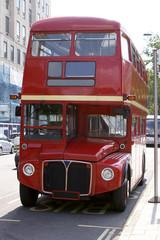 Papiers peints Rouge, noir, blanc Red London Bus