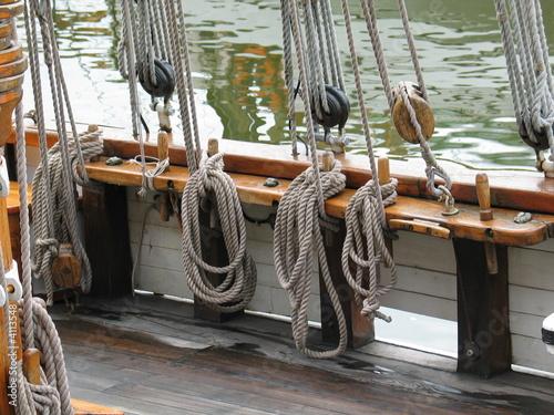 Hauban de voilier photo libre de droits sur la banque d - Photo de voilier gratuite ...
