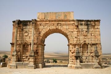 arc de triomphe à volubilis au maroc